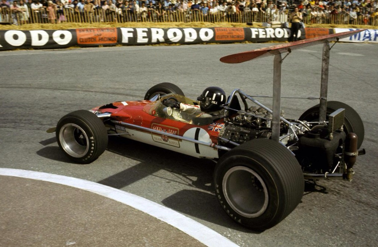 Lotus 49B (1969 Wings fixd to rollbar).jpg